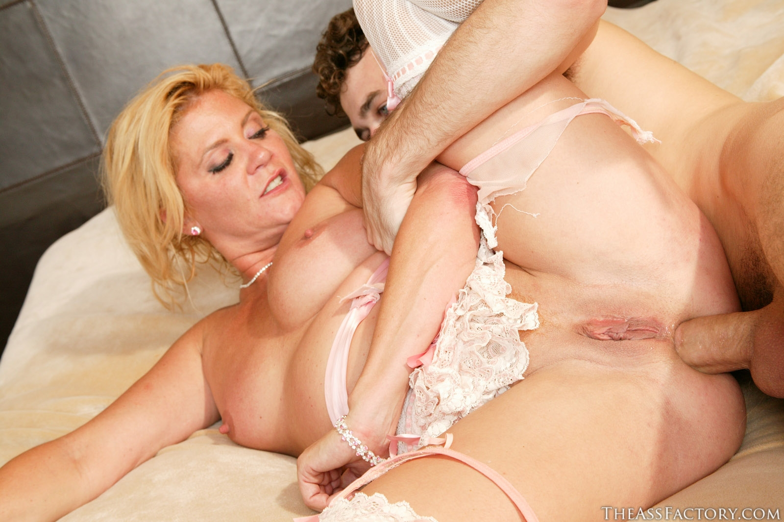Milf enjoys black cock